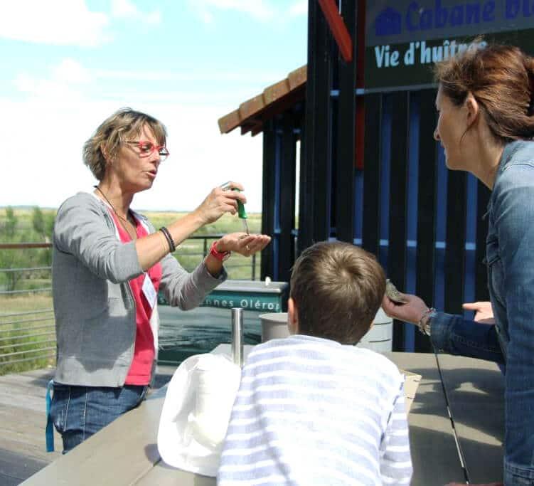 Initiation ouverture de l'huitre - charentes