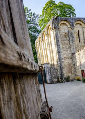 Abbaye Notre-Dame et Saint-Benoit de Nanteuil-en-Vallee