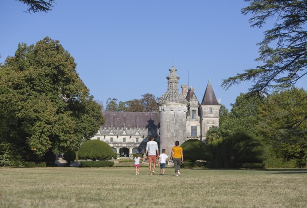 Château des Énigmes à Usson - Charentes