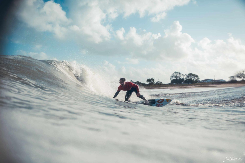Surf à lÎle de Ré, par Hugo Guias