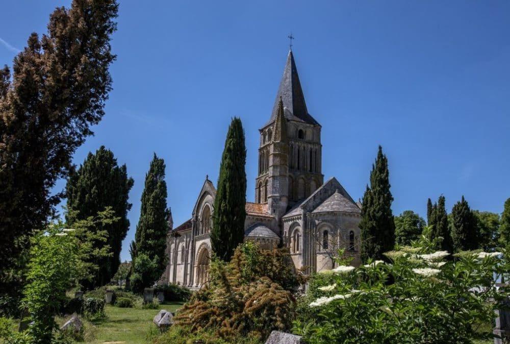 Église de Saint-Pierre-d'Aulnay - Charentes