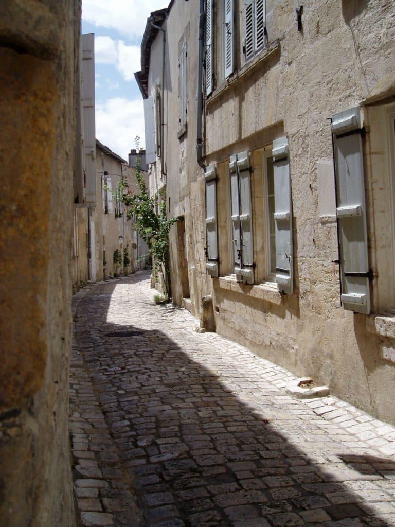 Ruelle de la vieille ville de Cognac