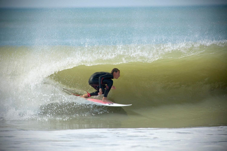 Surfeur à Royan, charente maritime