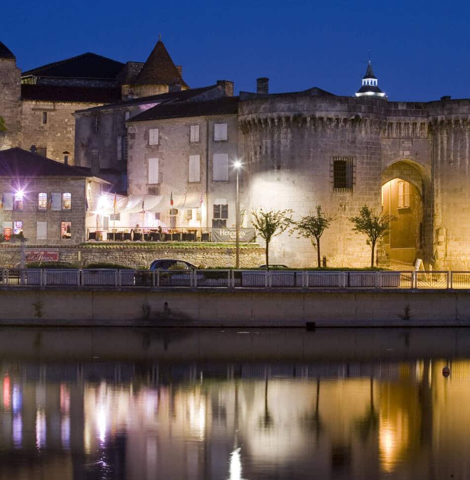 Tour de Cognac nocturne