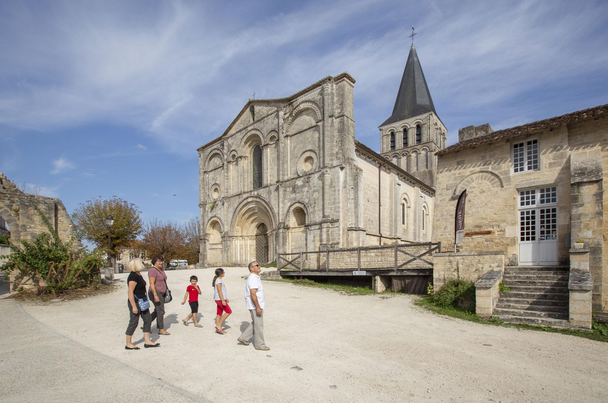 abbaye Saint-Amant-de-Boixe