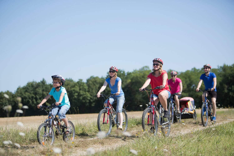 balade en famille en vélo