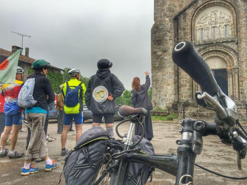 A vélo visite de l'église Manot