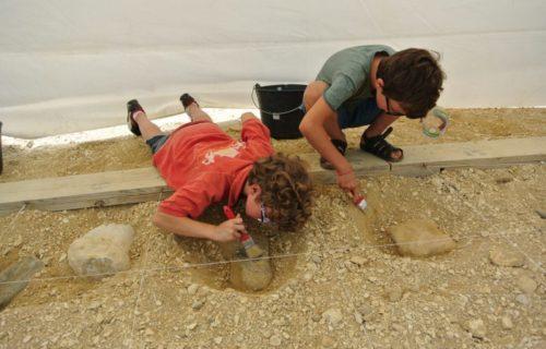 Atelier de fouilles à Angeac-Charente