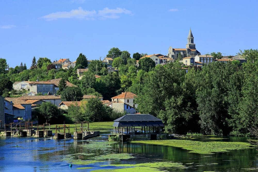 village-charente-Saint Simeux
