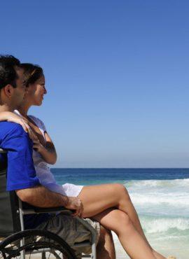 Vacances et Handicap - Devant la mer