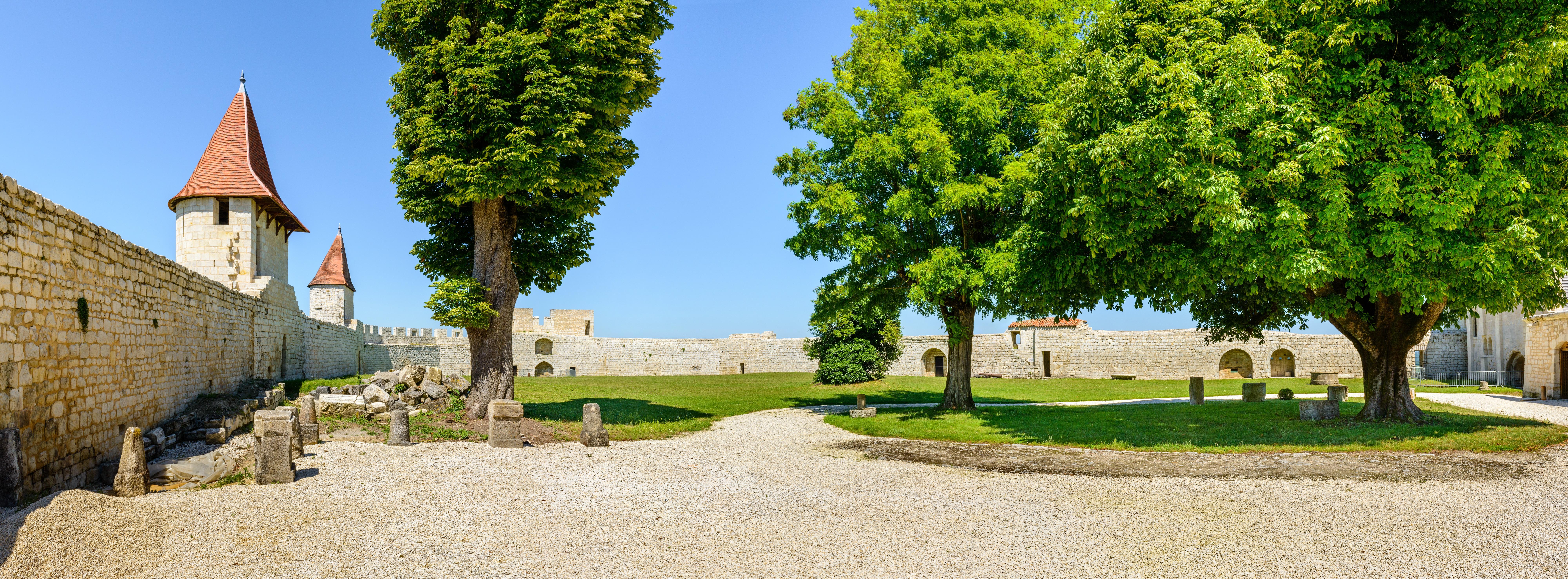 Château du duc d'épernon à Villebois-Lavalette