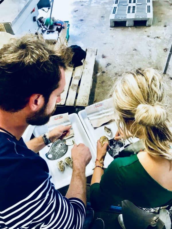HUITRES ARCHAMBEAU ouverture huîtres de dos