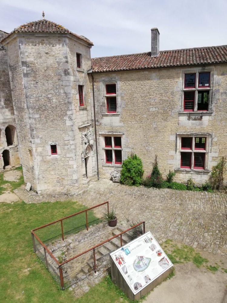 château de Saint Jean d'Angle