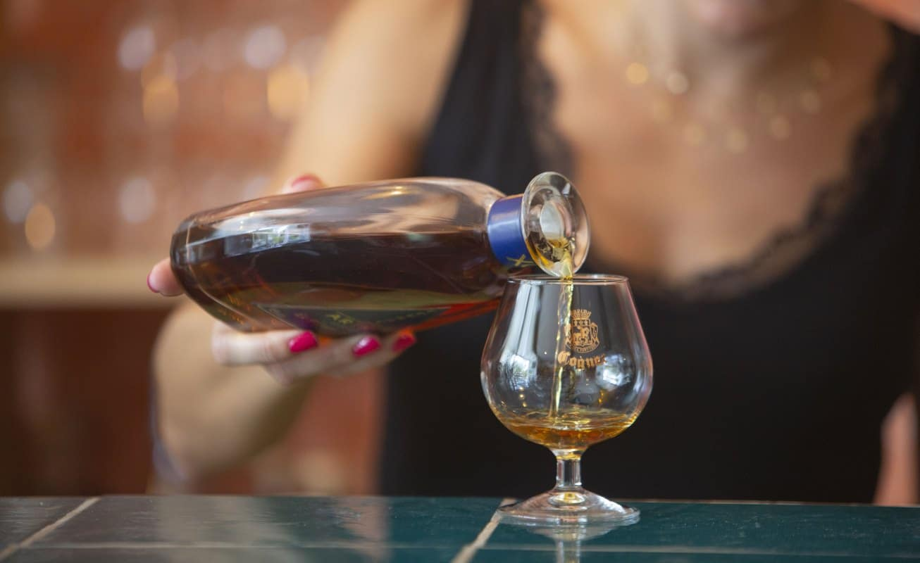 dégustation de cognacs, pineau et vins charentais