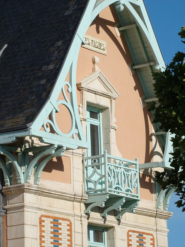 chatel-house