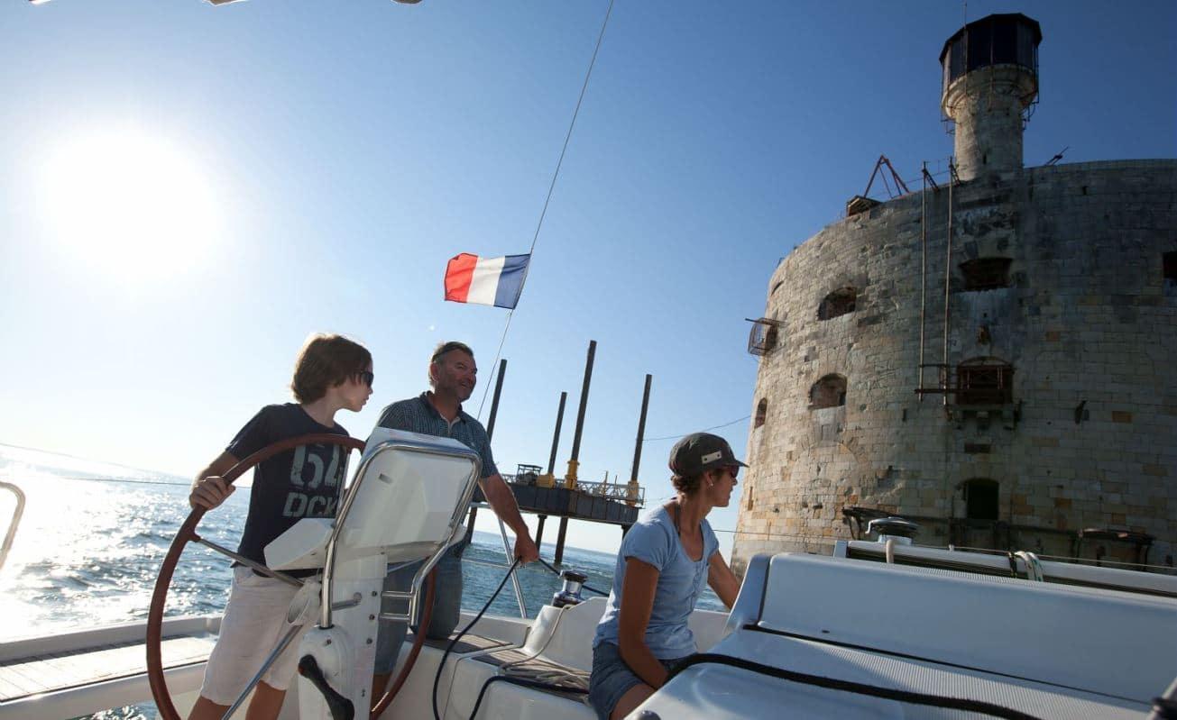 autour de fort Boyard en bateau