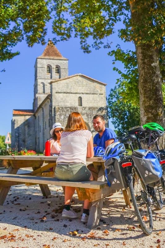la chapelle Saint Robert sur la flow vélo
