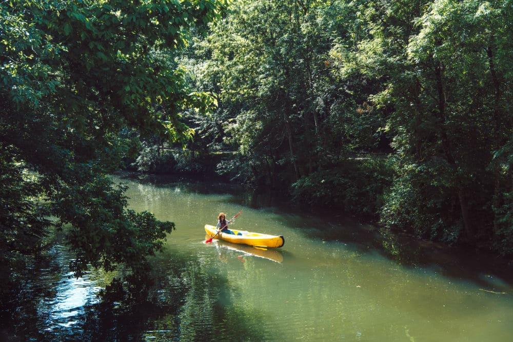 faire du canoë sur le fleuve Charente