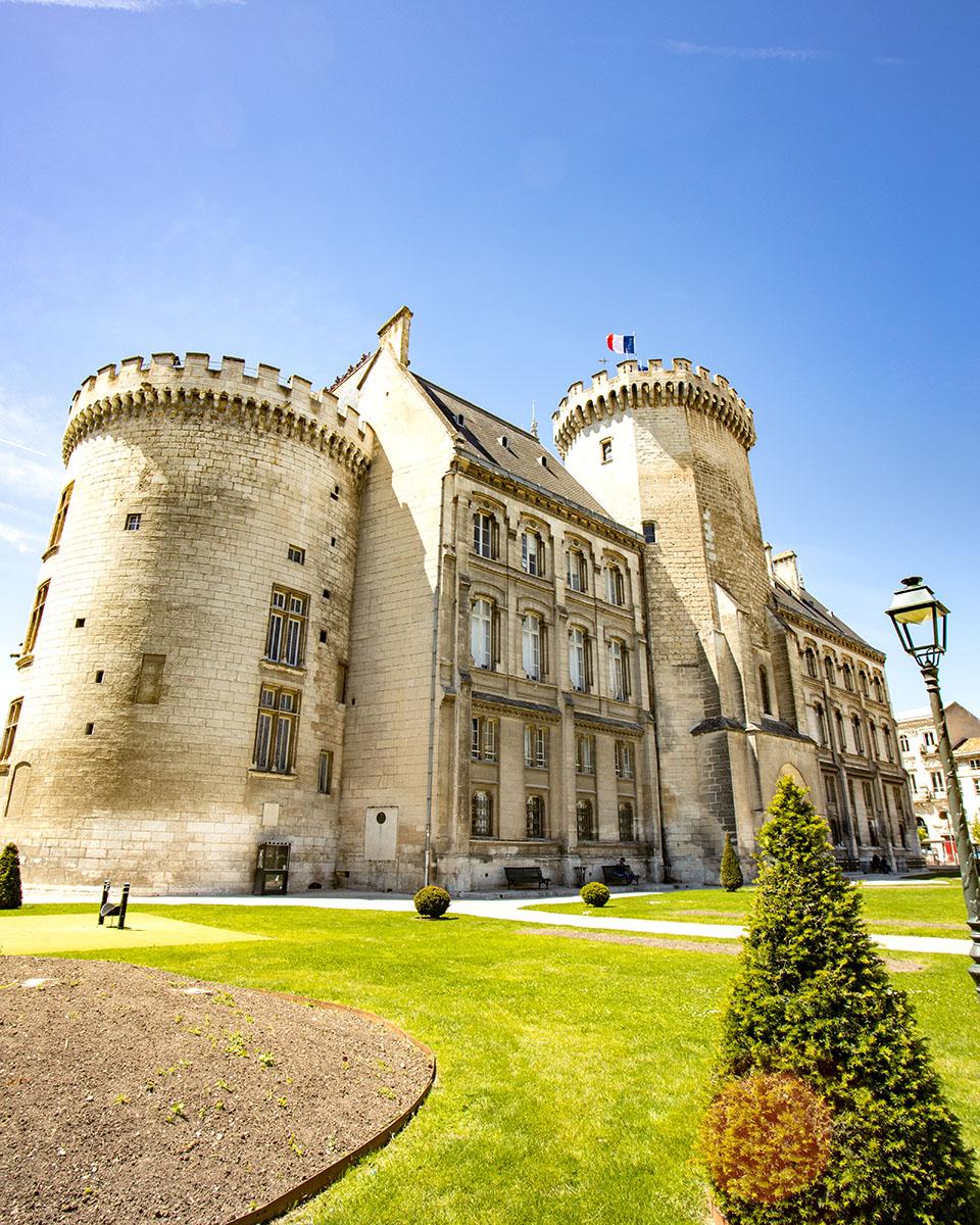 hôtel de ville d'Angoulême @clo&clem
