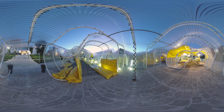 Vision en 360° de la cour de la fondation Martell