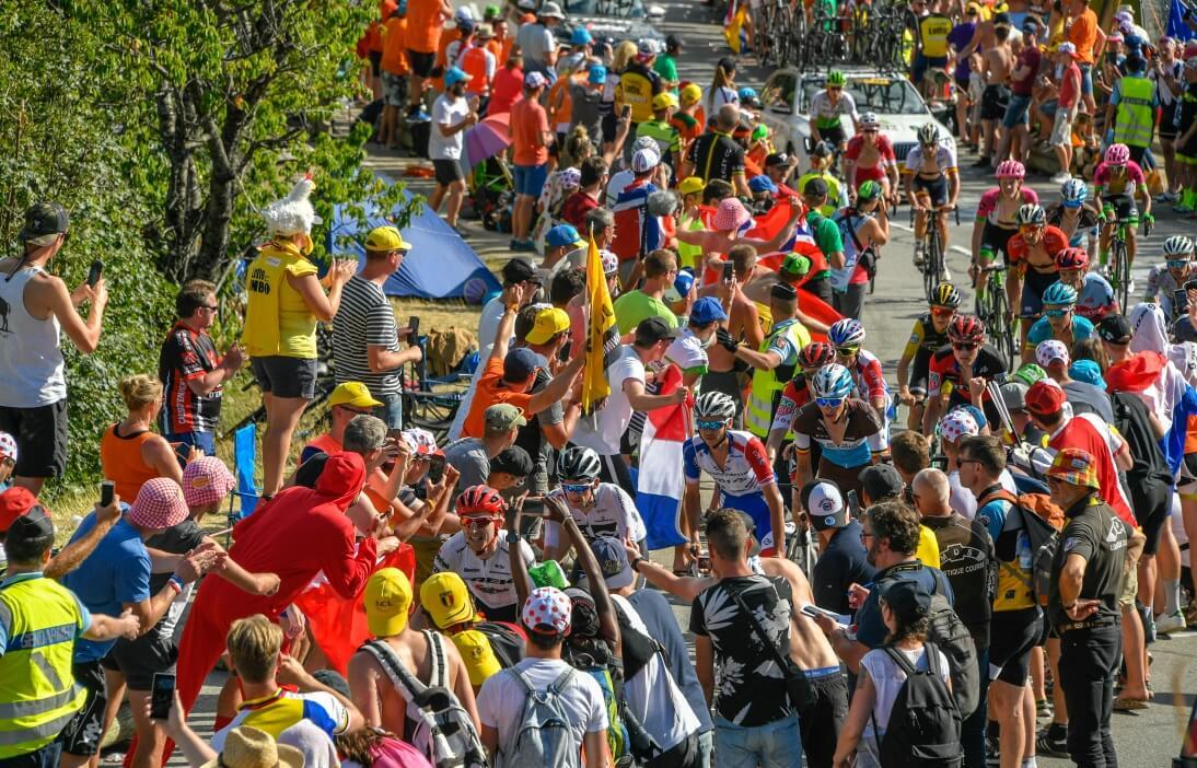 Le public au bord des routes lors d'une étape du Tour de France