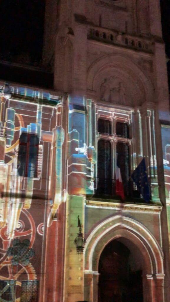 """vidéo """"Pierres et Lumières"""" sur la façade de l'hôtel de ville d'Angoulême"""