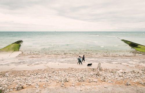 promenade sur la plage île de ré