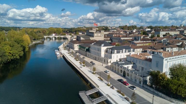 Quai ville de Cognac Charente