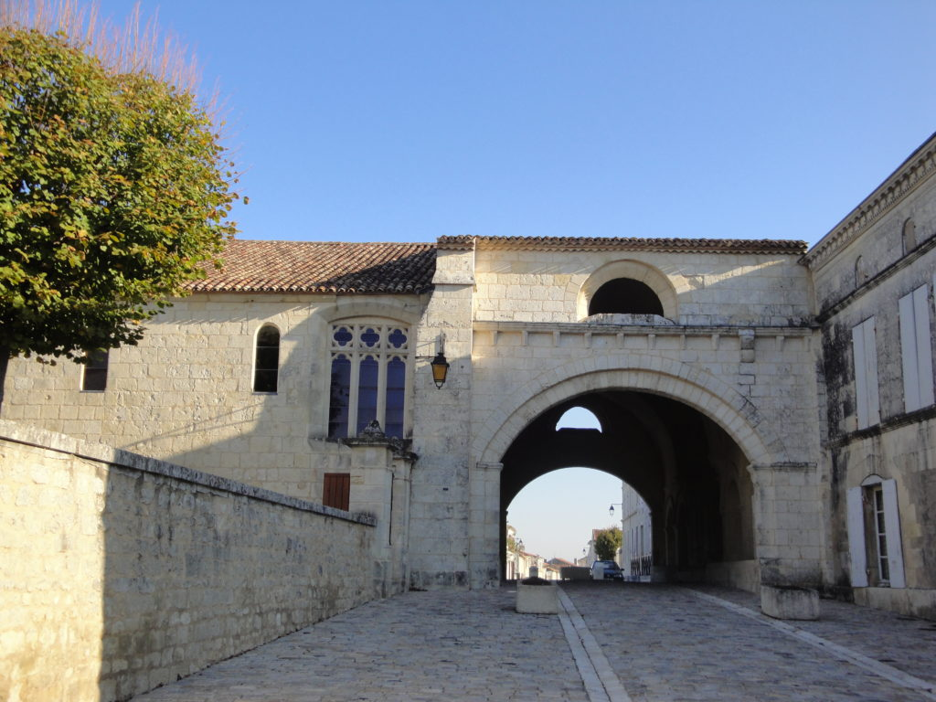 Pilgrims' Hospice, Pons